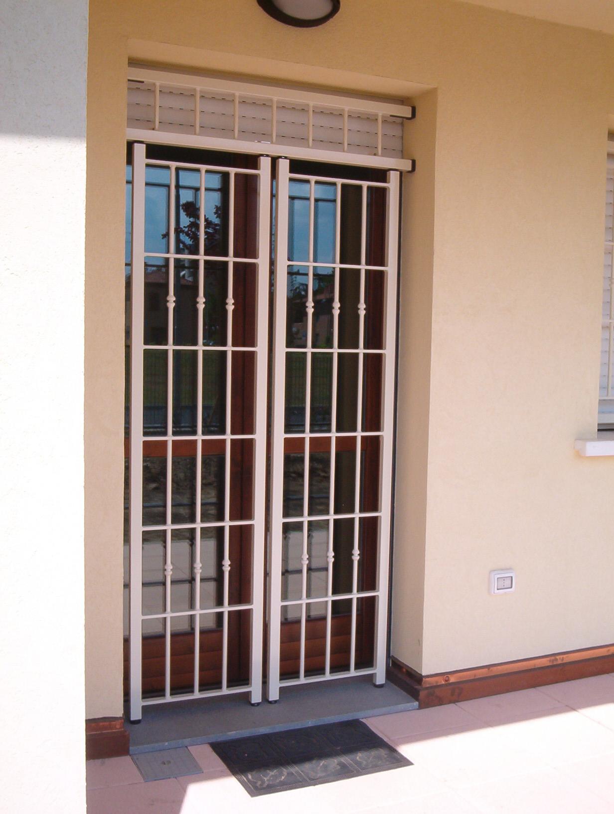 Inferriate apribili interno esterno tecnofinestra - Inferriata porta ...